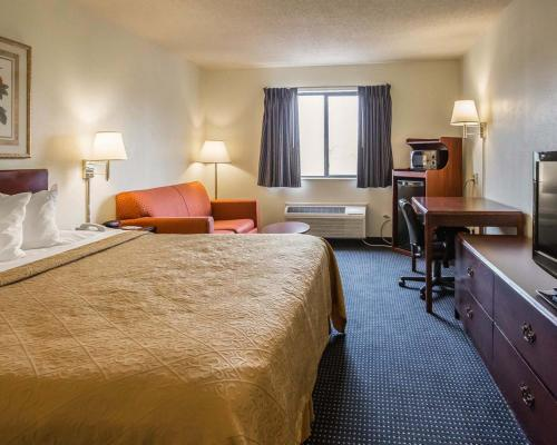Quality Inn & Suites Dundee Photo