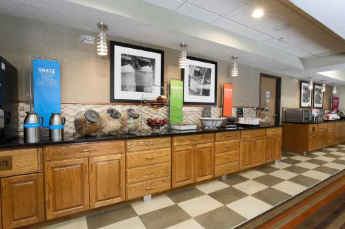 Hampton Inn St. Louis/Fairview Heights Photo