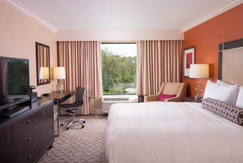 Delta Hotels by Marriott Orlando Lake Buena Vista Photo
