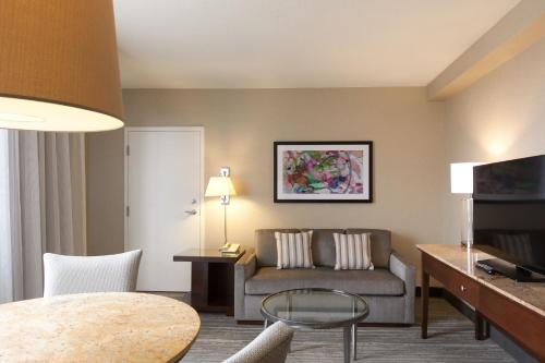 DoubleTree Suites by Hilton Houston by the Galleria photo 35