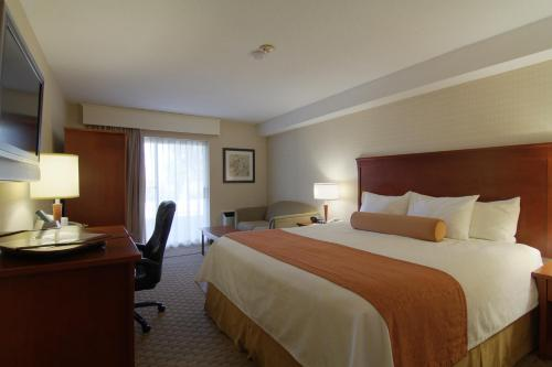 Best Western PLUS Kitchener-Waterloo Photo