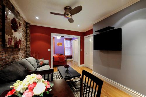Stylish Upper East Side 2 bed 2 bath Photo