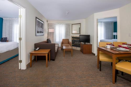 Residence Inn Boise West Photo