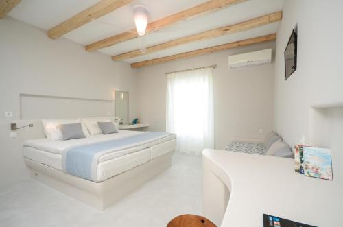 Antony Suites and Residencies - naxos -