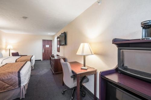 Rodeway Inn and Suites Photo
