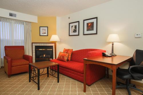 Residence Inn Flint Photo