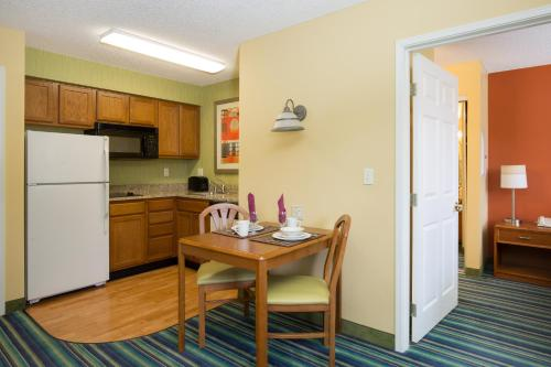 Residence Inn Spokane East Valley Photo