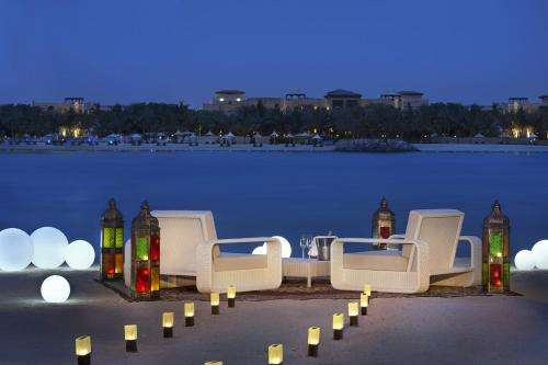 The Ritz-Carlton Abu Dhabi, Grand Canal photo 7