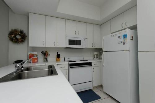 Tidewater 406 Apartment Photo