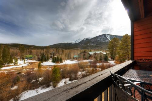 Mountainside E259 by Colorado Rocky Mountain Resorts Photo