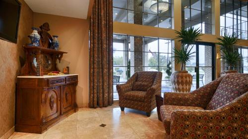 Best Western Inn Suites & Conference Center Photo