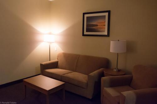Comfort Inn & Suites Bonnyville Photo