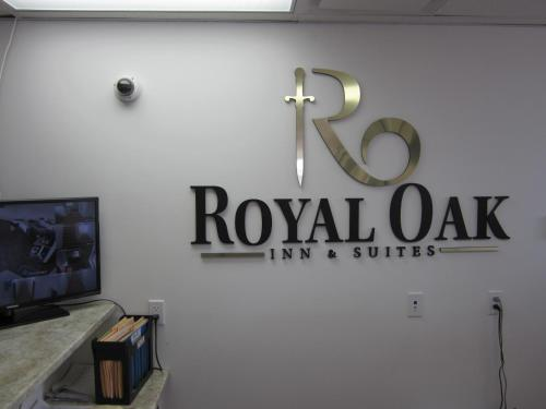 Royal Oak Inn and Suites & RV Park Photo