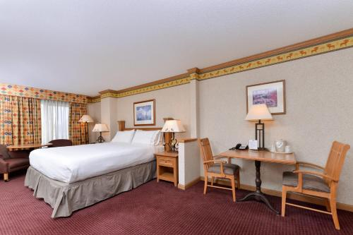 Holiday Inn Express Hotel & Suites Elko Photo