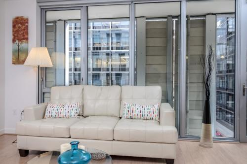 2BR Fully Furnished Apt in LA Downtown Photo
