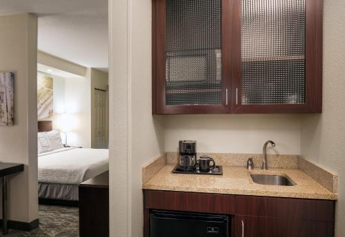SpringHill Suites Bakersfield Photo