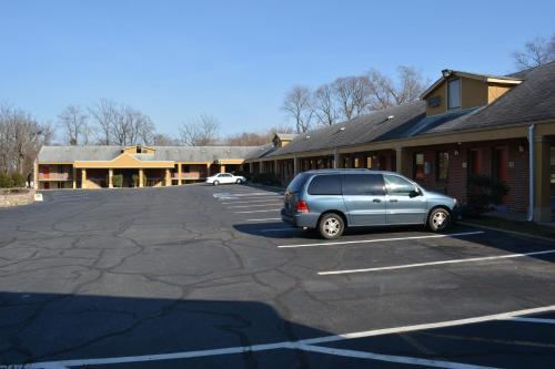 Budget Inn Falls Church Photo