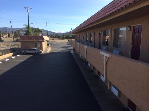 Vagabond Inn Hemet Photo
