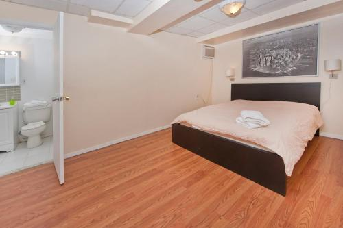 Chic 2 Bedrooms near Times Square photo 4
