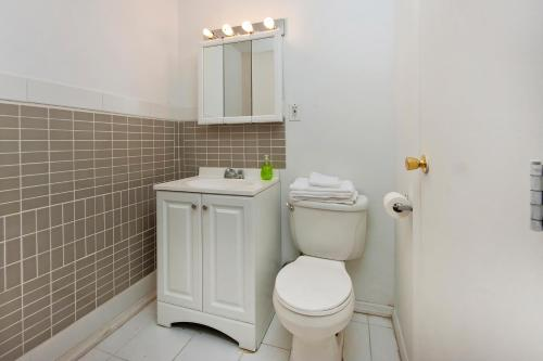 Chic 2 Bedrooms near Times Square photo 11