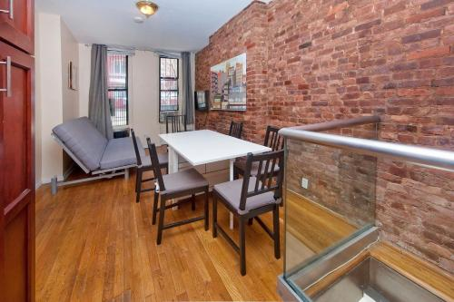 Chic 2 Bedrooms near Times Square photo 15