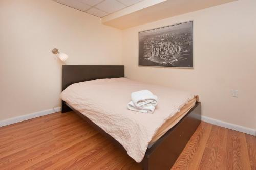 Chic 2 Bedrooms near Times Square photo 19