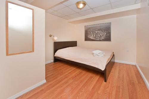 Chic 2 Bedrooms near Times Square photo 20