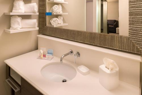 Hampton Inn & Suites Orlando-East UCF photo 5