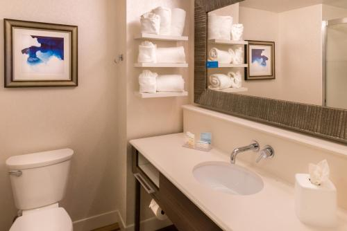 Hampton Inn & Suites Orlando-East UCF Photo