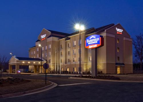 Fairfield Inn and Suites by Marriott Gadsden Photo