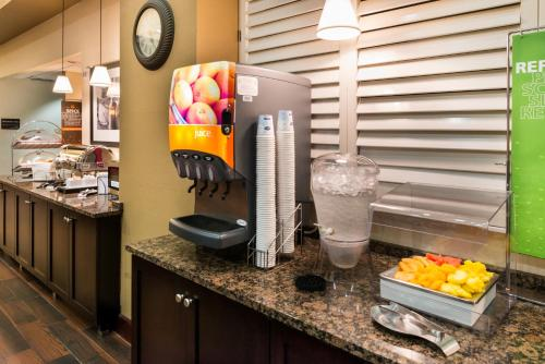 Hampton Inn & Suites Orlando-East UCF photo 12