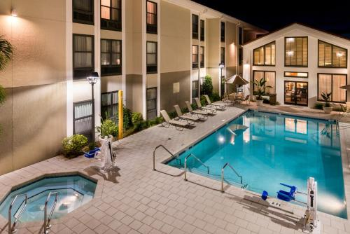 Hampton Inn & Suites Orlando-East UCF photo 17