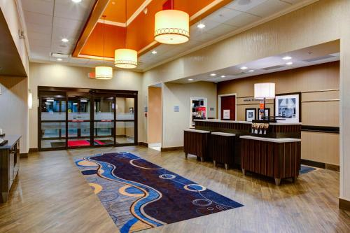 Hampton Inn and Suites Columbus, MS Photo