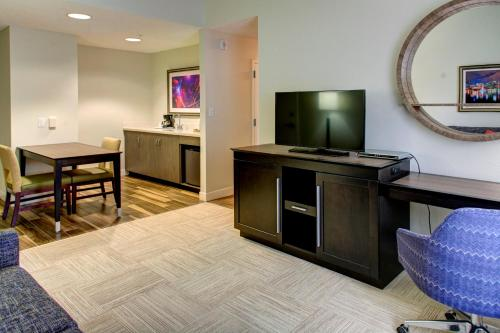 Hampton Inn & Suites Orlando-East UCF photo 36