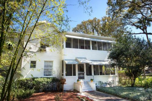 Farnsworth House Bed and Breakfast Photo