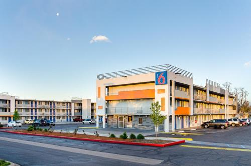Motel 6 Denver Central - Federal Boulevard photo 13
