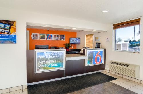 Motel 6 Denver Central - Federal Boulevard photo 23