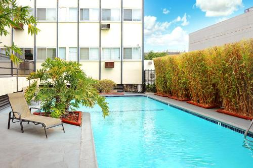 Charming Walk Of Fame Apartment - Los Angeles, CA 90028