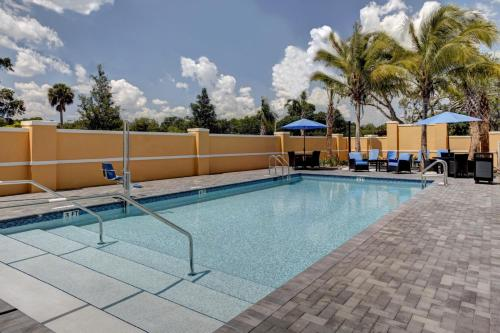 Hampton Inn and Suites by Hilton Vero Beach-Downtown Photo