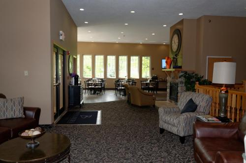 Boulders Inn & Suites - Denison Majestic Hills Photo