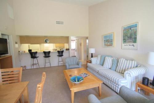Inverness Way Holiday Home 40972 Photo