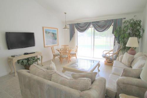 Pebble Beach Circle Holiday Home 40568 Photo