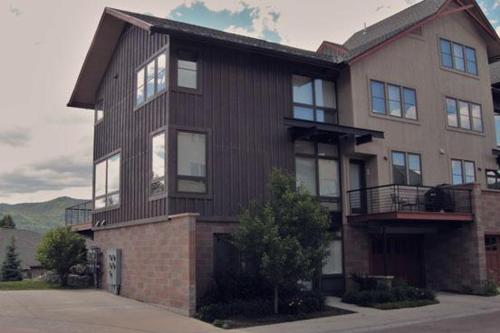 2907 Blackhawk Townhomes Photo
