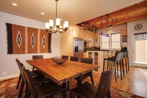 2900 Blackhawk Townhomes Photo