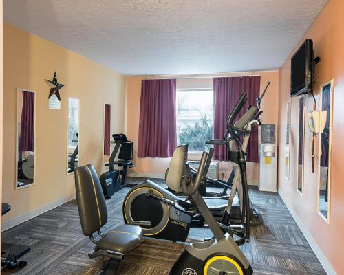 Arlington Suites - Williamstown, WV 26187