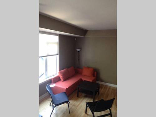 LM Stays - 3 Bed Downtown w Parking Photo