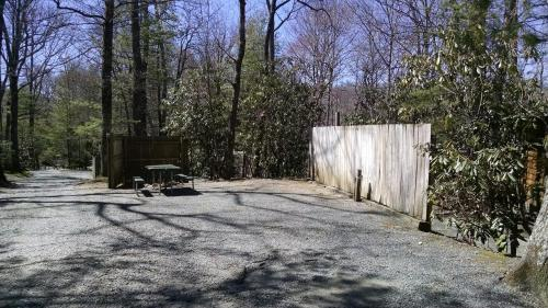 Linville Falls Campground & Cabins - A Cruise Inn Park Photo