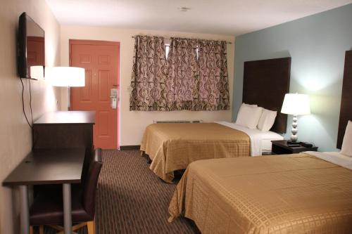 Knights Inn Niagara Falls Near IAG Airport Photo
