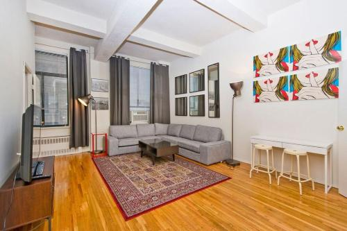 31st Street and Madison Avenue Apartment Photo