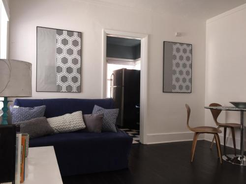 Hollywood Comfortable Cute Apartment Photo